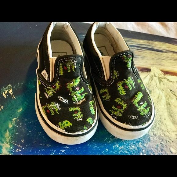 c4673856 EUC Toddler Green Monster Vans Size 6.